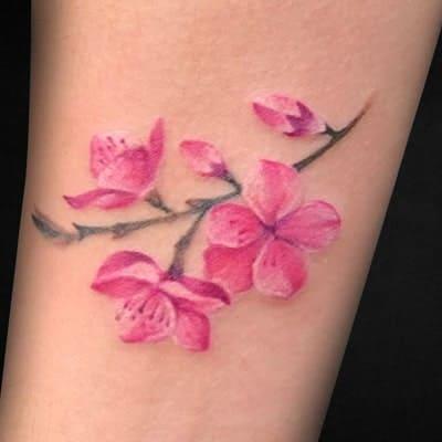 tatuaje estilo floral